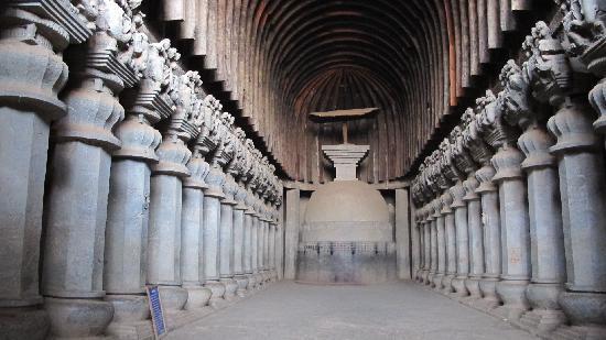 karla-caves-main-stupa
