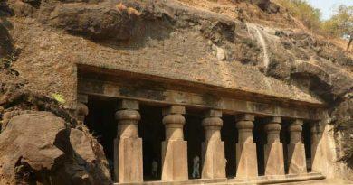 Elephanta Caves /घारापुरीची लेणी