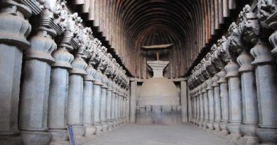 karla-caves-main-stupa